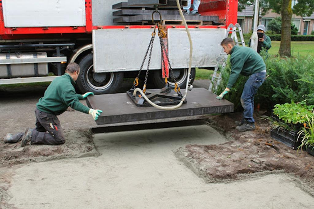 leggen van strakke betontegels 100x200x10 modern design kleine ...