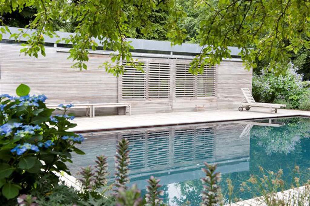 Bomen rooien voorbeelden schutting en vlonders luxe tuinhuizen - Huis design met zwembad ...